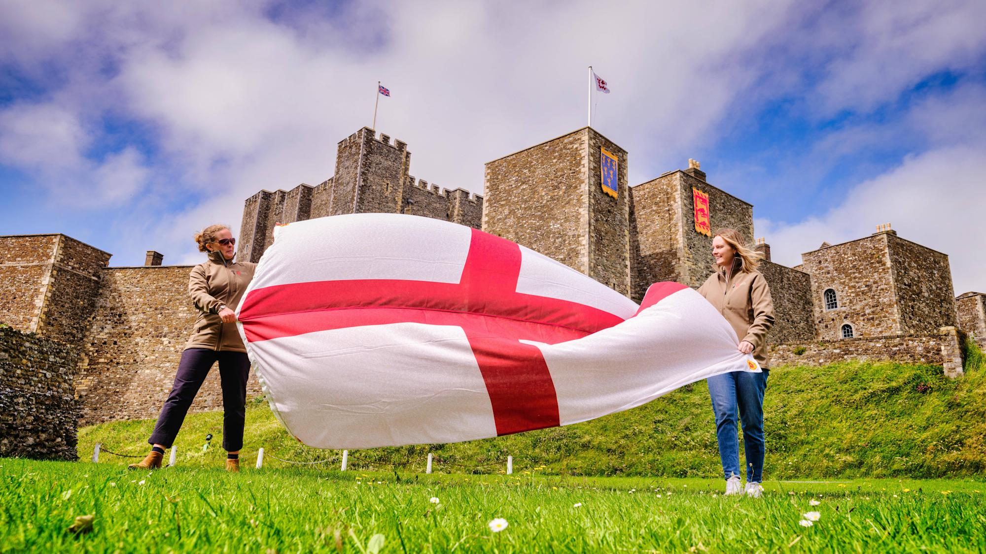 English Heritage flags support for football team through 32,000 names