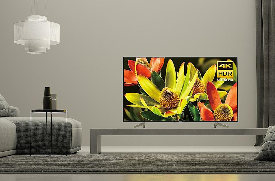 This Sony 70-inch 4K TV has a 4.5 out of 5 star review rating at Walmart. (Photo: Walmart)