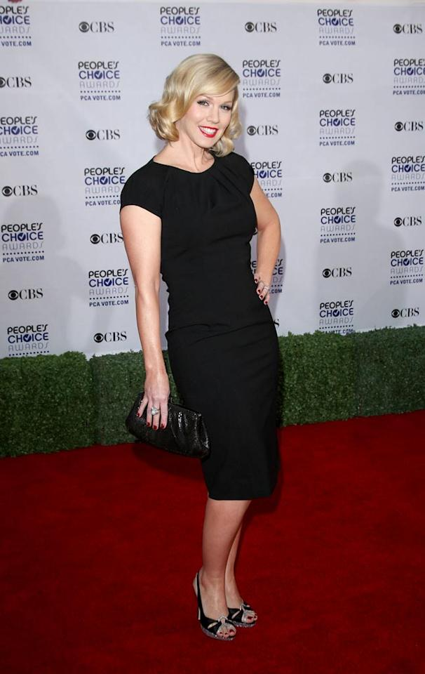 """<a href=""""/jennie-garth/contributor/61683"""">Jennie Garth</a> arrives at the 35th Annual People's Choice Awards held at the Shrine Auditorium on January 7, 2009 in Los Angeles, California."""