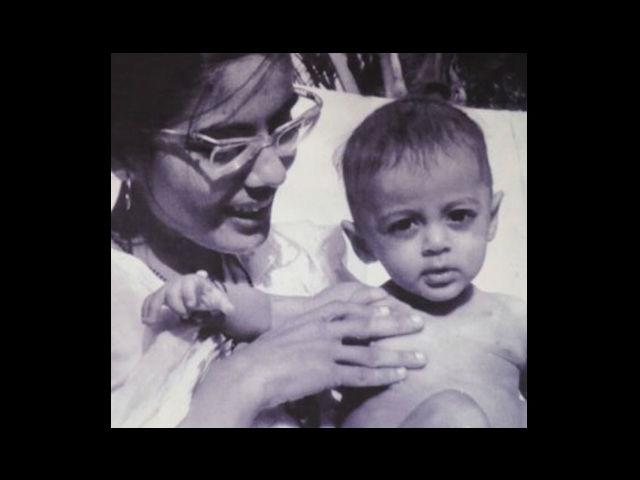 6. This one right here is 'Dabangg' star Salman Khan during his childhood days. Seems like he was born with his intense eyes, huh? Born on 27th December, 1965 – Salman's paternal grandfather was a Muslim from Afghanistan who settled in Indore.