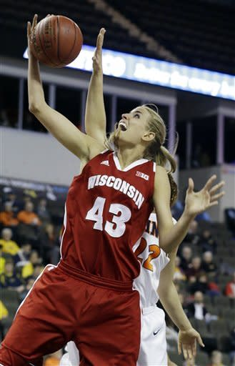 Wisconsin women beat Illinois 58-57