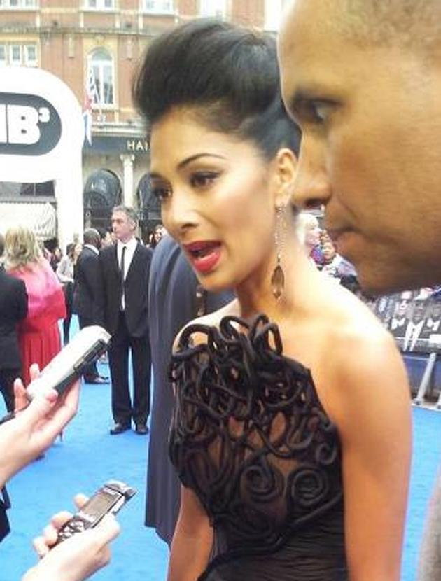 Celebrity photos: Nicole Scherzinger = red carpet beauty.