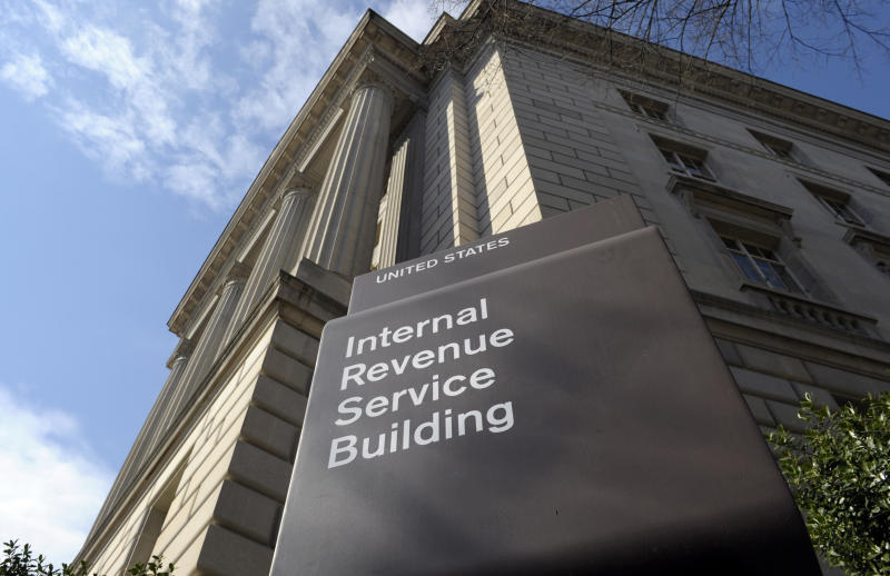IRS gives taxpayers extra day to file after website issues