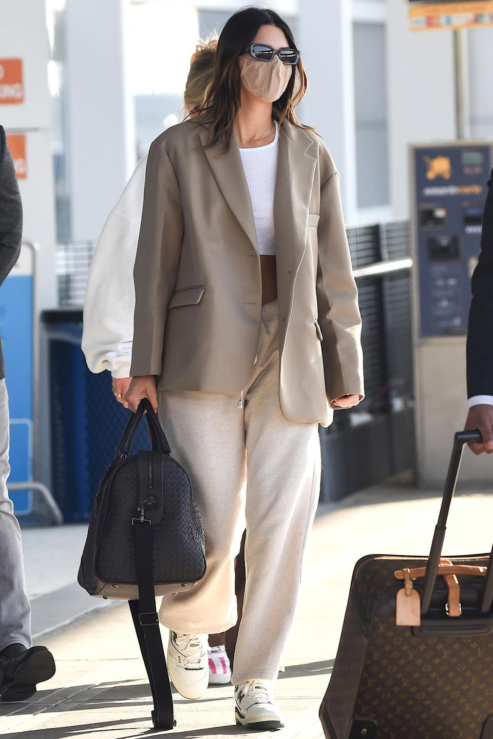 <p>Kendall Jenner was spotted arriving at JFK Airport in New York.</p>