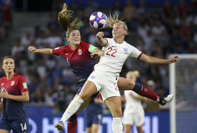 Maren Mjelde of Norway, Beth Mead of England during the 2019 FIFA Women's World Cup France Quarter Final match between Norway and England at Stade Oceane on June 27, 2019 in Le Havre, France. (Photo by Jean Catuffe/Getty Images)