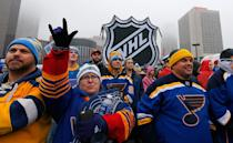 <p>ST LOUIS, MO – JANUARY 02: Fans watch rapper Nelly perform at The Pregame prior to the 2017 Bridgestone NHL Winter Classic at Busch Stadium on January 2, 2017 in St Louis, Missouri. (Photo by Eliot J. Schechter/NHLI via Getty Images) </p>