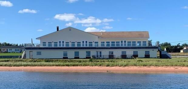 The former Platter House Building will become an events centre called the Fiddling Fisherman's Lookout. (Submitted: Fiddling Fisherman/Facebook  - image credit)