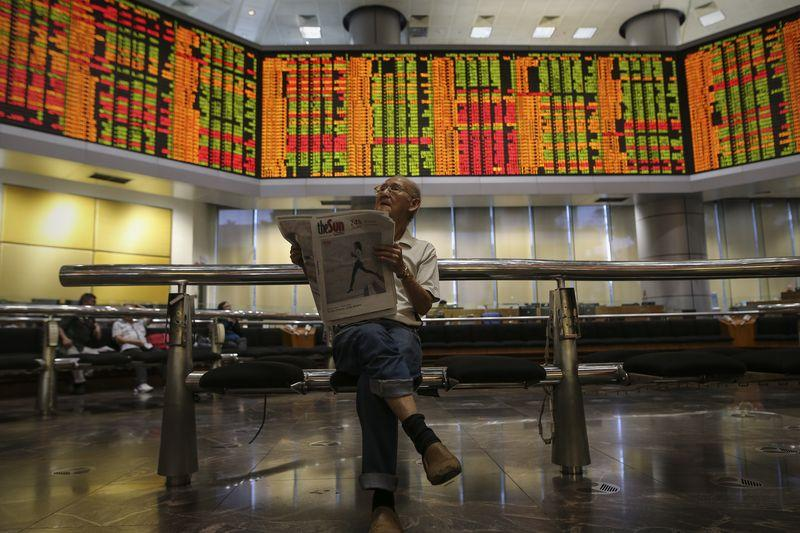According to the Bloomberg news service, the perceived fiscal discipline in the cancellation of several major infrastructure projects have led punters to view Malaysian stocks as standouts in the region. — Picture by Azneal Ishak