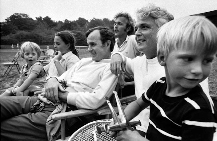 George H.W. Bush and family at home in 1971. From left: Nephew Billy, daughter Dorothy, George H. W., son Neil, wife Barbara, nephew Jon.
