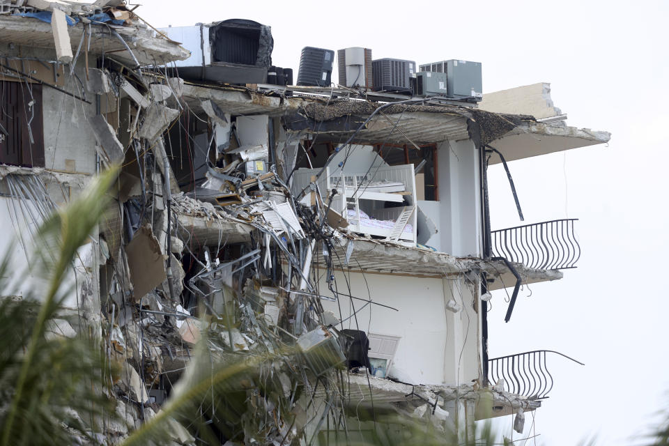 SURFSIDE FL - JUNE 26: General view of the collapsed condo as building tenants remain missing after condo collapse in Surfside on June 26, 2021 in Miami, Florida. Credit: mpi34/MediaPunch /IPX
