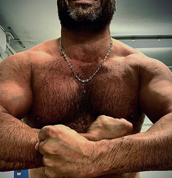 Miguel Maestre chest muscles photo fitness transformation leaves fans stunned