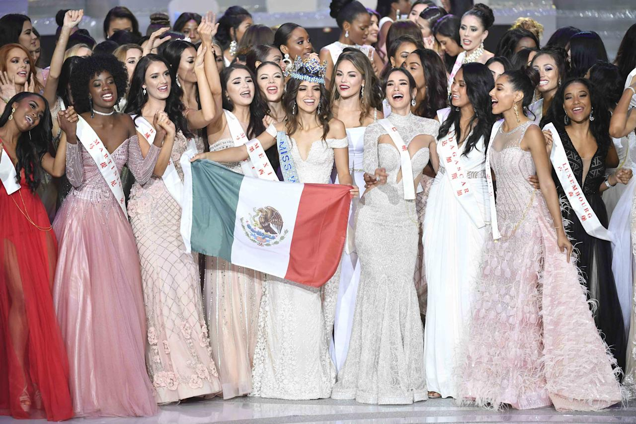 <p>Miss Mexico Vanessa Ponce de Leon (C) holding the Mexican national flag celebrates after winning the 68th Miss World contest final on December 8, 2018 in Sanya, Hainan Province of China. (Photo by VCG/VCG via Getty Images) </p>