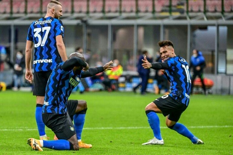 Inter rely on Romelu Lukaku (L) and Lautaro Martinez (R) for goals