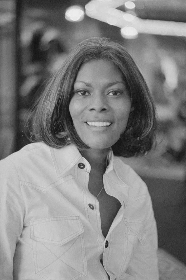 Dionne Warwick in 1975. (Photo by Evening Standard/Hulton Archive/Getty Images)