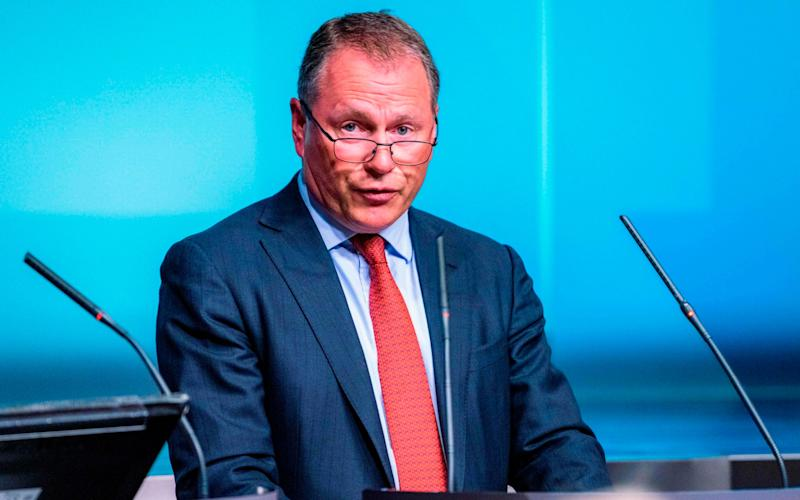 Norwegian banks cannot cope with oil fund boss's cash