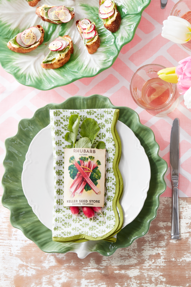 "<p>We love the idea of bringing some of the beauty of your garden right onto the dinner table with these seed packet place settings. It's so easy to replicate: Allow the greens of baby radishes to peek out of the top of vintage seed packets.</p><p><a class=""link rapid-noclick-resp"" href=""https://go.redirectingat.com?id=74968X1596630&url=https%3A%2F%2Fwww.etsy.com%2Fsearch%3Fq%3Dseed%2Bpackets&sref=https%3A%2F%2Fwww.countryliving.com%2Fdiy-crafts%2Fhow-to%2Fg1652%2Feaster-decor-pinterest%2F"" rel=""nofollow noopener"" target=""_blank"" data-ylk=""slk:SHOP VINTAGE SEED PACKETS"">SHOP VINTAGE SEED PACKETS</a></p>"