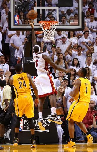 LeBron saves Heat at buzzer of Game 1