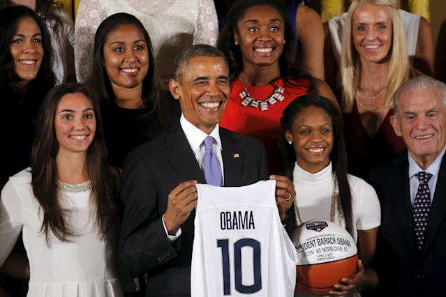 U.S. President Barack Obama poses for a picture with the 2015 NCAA Women's basketball reception team, the Connecticut Huskies during a welcoming ceremony at the White House in Washington September 15, 2015. REUTERS/Carlos Barria