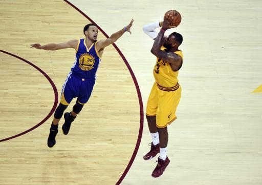 Los Warriors empatan con Cleveland la final de la NBA gracias a Curry e Iguodala