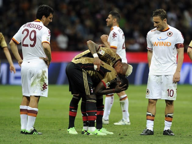 Sulley Muntari sent off for restraining referee from showing him a yellow card