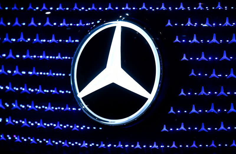 Daimler pins profit revival on new Mercedes-Benz S-Class