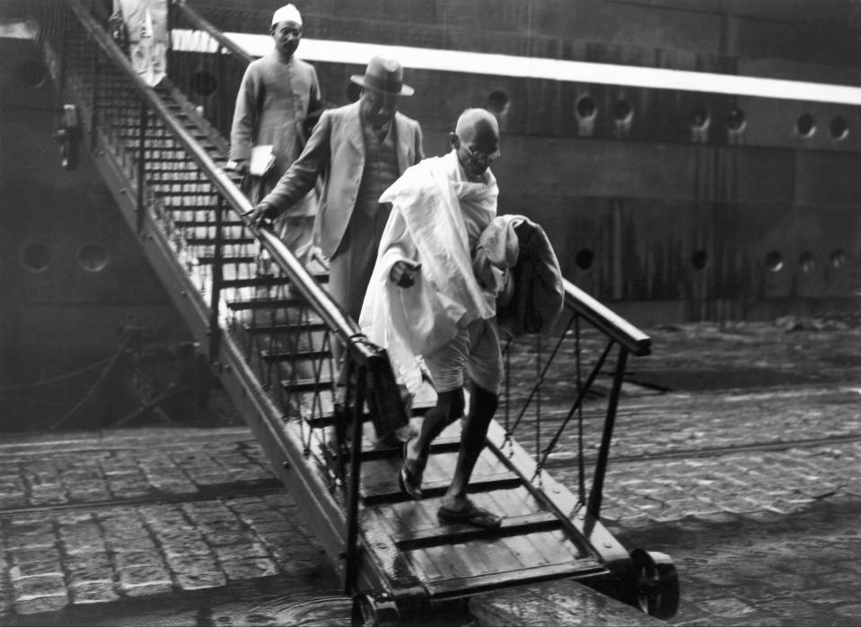 FRANCE - JULY 12: The Mahatma GANDHI getting off the RAJPUTANA ocean liner in Marseille's harbour on September 11, 1931. (Photo by Keystone-France/Gamma-Keystone via Getty Images)