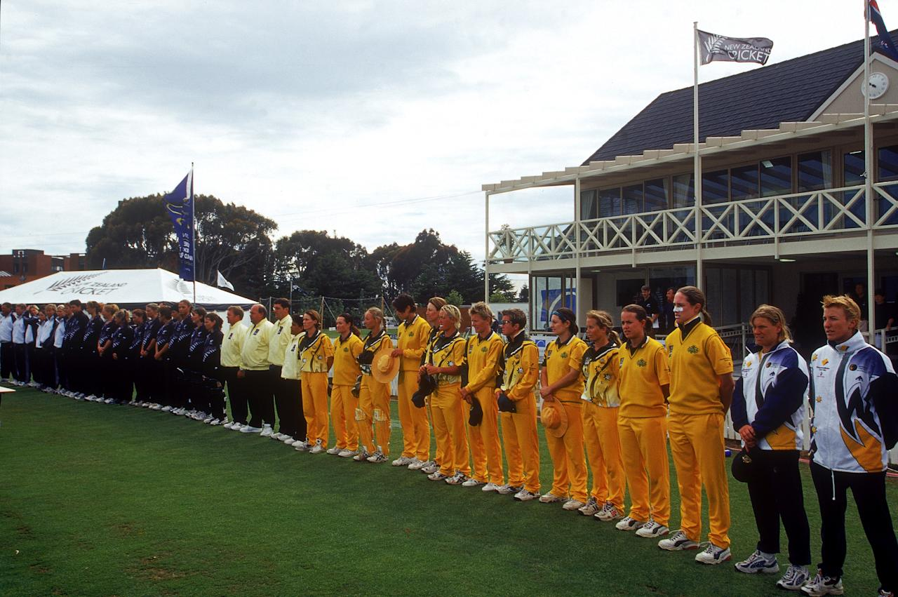 [ICCWWC2013] CHRISTCHURCH, NEW ZEALAND - DECEMBER 23:  The Australian Women's cricket team lineup before the start of the 2000 Women's World Cup Final match played between New Zealand and Australia held at Bil Oval, December 23, 2000 in Christchurch, New Zealand. (Photo by Scott Barbour/Getty Images).