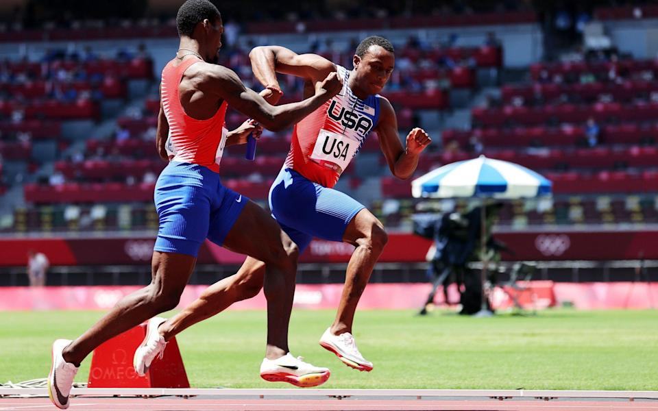 Kerley just about manages to pass the baton to his team-mate, but in less than textbook fashion - SHUTTERSTOCK