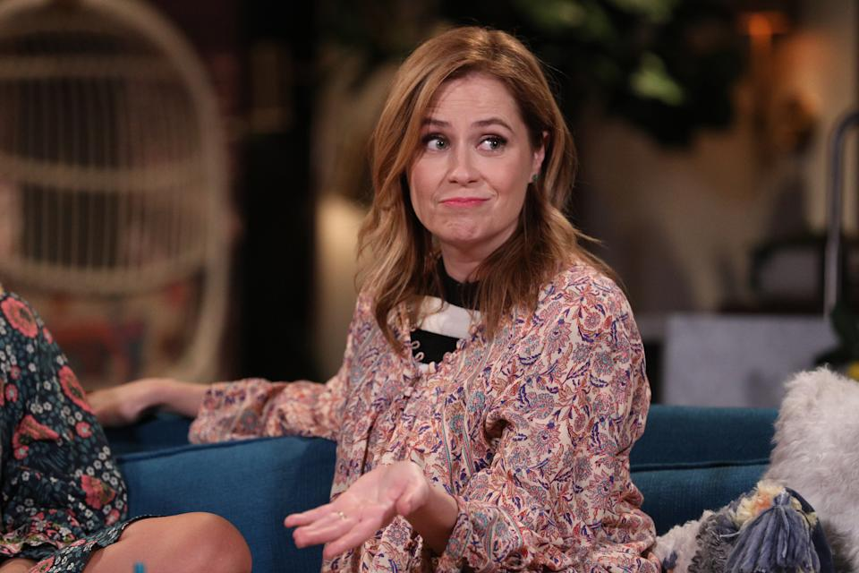 BUSY TONIGHT -- Episode 1062 -- Pictured: Guest Jenna Fischer on the set of Busy Tonight -- (Photo by: Jordin Althaus/E! Entertainment/NBCU Photo Bank/NBCUniversal via Getty Images)