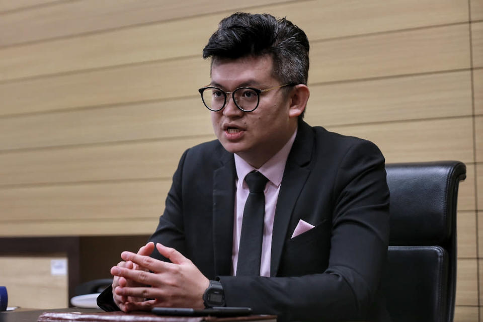 Bandar Kuching Member of Parliament Dr Kelvin Yii said while he supported Sarawak's 'autonomy' to decide SOPs that reflect local context and needs, this must be based on science and data rather than any purported political considerations. — Picture by Ahmad Zamzahuri
