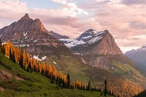 Fall paints a gorgeous landscape in Glacier National Park. This view is from the Going-to-the-Sun Road.