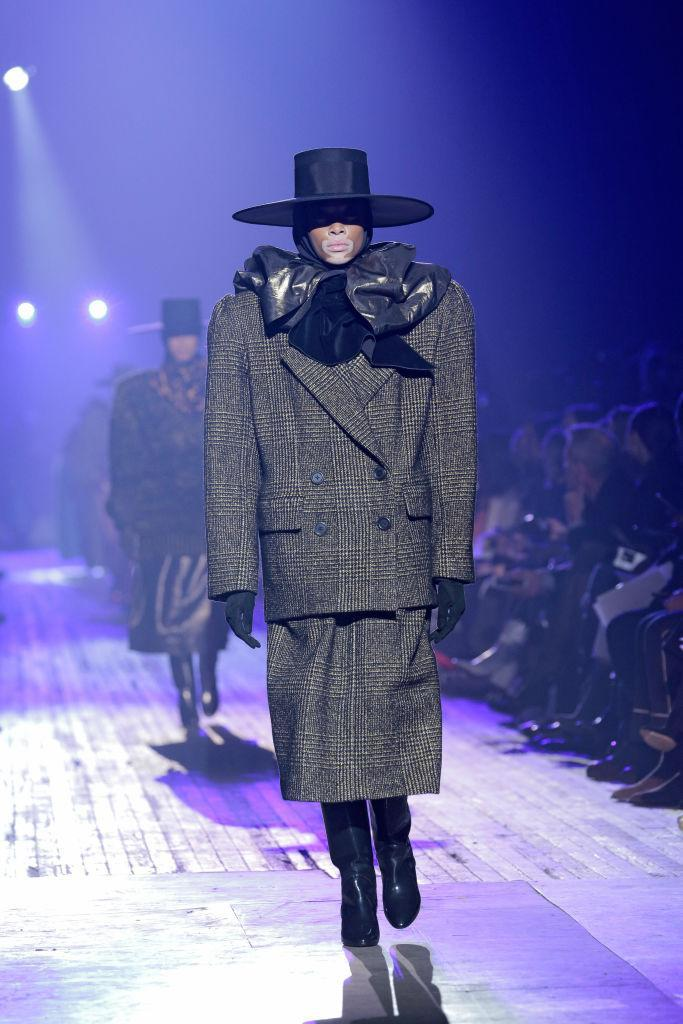 <p>Models took to the runway over at Marc Jacobs swamped in supersized '80s suiting and wide-brimmed hats. And the designer didn't serve up a modern take on the decade.<br>In fact, he turned the volume up a notch with shoulderpads so grand you'd struggle to shuffle through the door. <em>[Photo: Getty]</em> </p>
