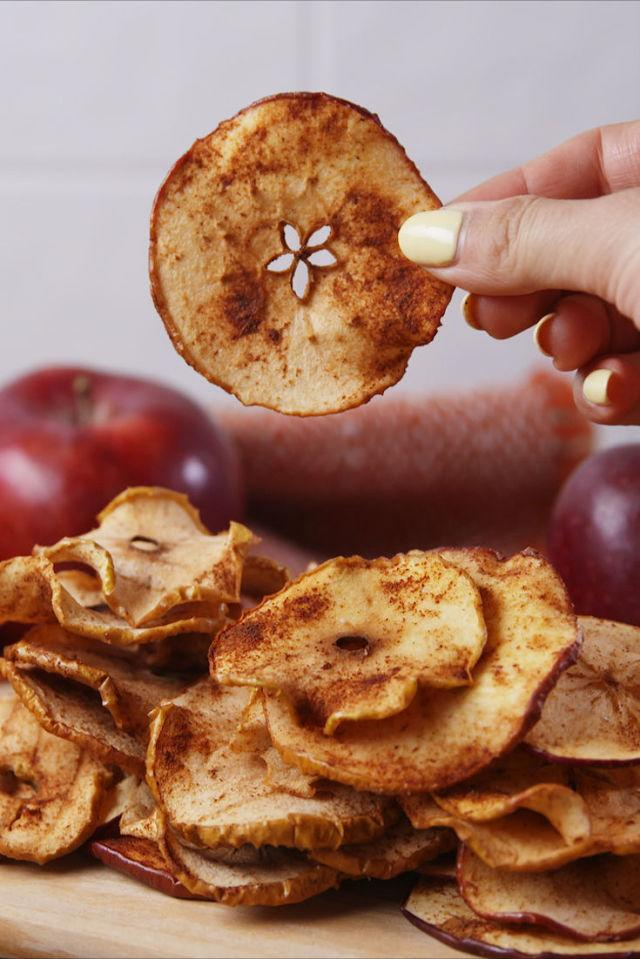 "<p>The perfect fall snack.</p><p>Get the recipe from <a rel=""nofollow"" href=""http://www.delish.com/cooking/recipe-ideas/recipes/a55596/healthy-apple-chips-recipe/"">Delish</a>.</p>"