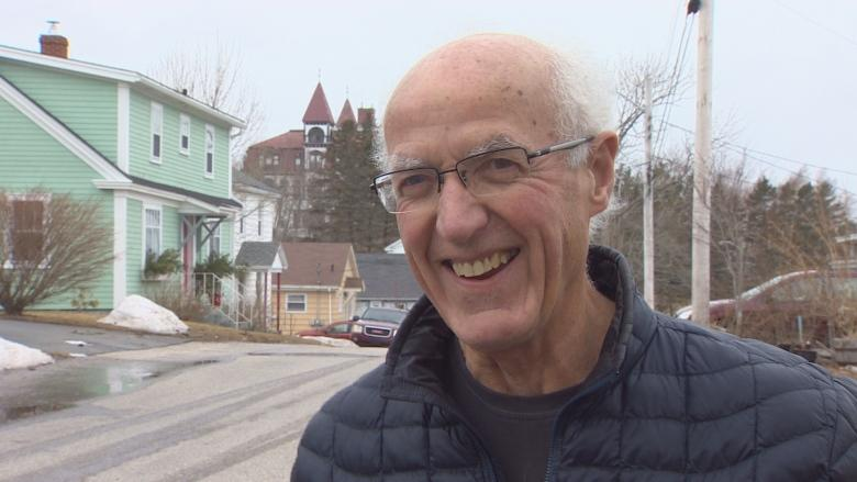 Lunenburg councillor who objected to town's private meetings resigns