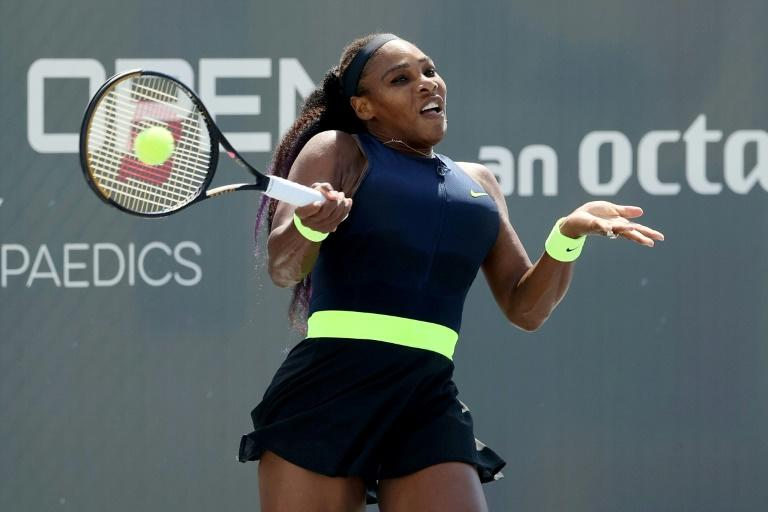 Serena falls to 116th-ranked Rogers at US Open tuneup