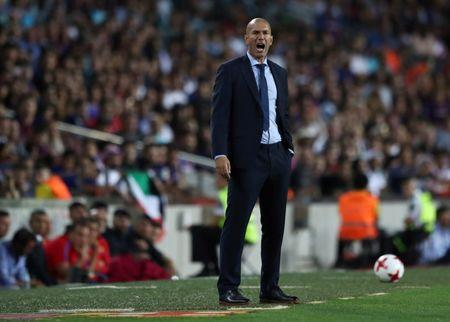 Soccer Football - Barcelona v Real Madrid Spanish Super Cup First Leg - Barcelona, Spain - August 13, 2017   Real Madrid coach Zinedine Zidane   REUTERS/Juan Medina