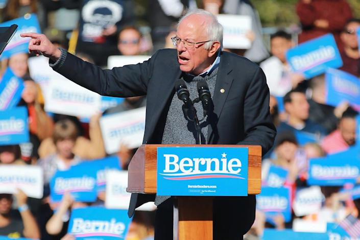 "Democratic presidential candidate Bernie Sanders speaks at the ""Bernie's Back"" rally in Queens, N.Y., on Oct. 19. (Photo: Gordon Donovan/Yahoo News)"