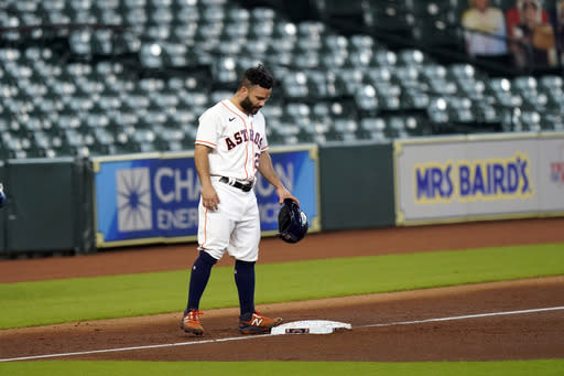Astros place Altuve on IL due to sprained right knee