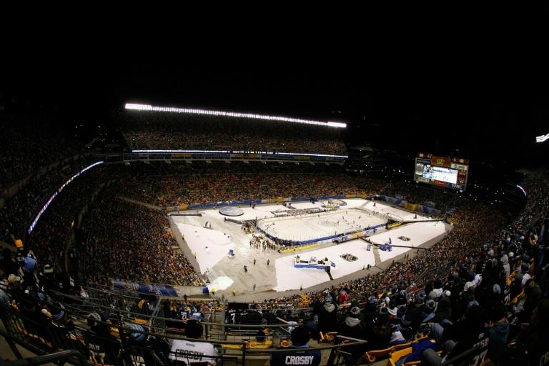 NHL - Penguins topple Flyers in outdoor game