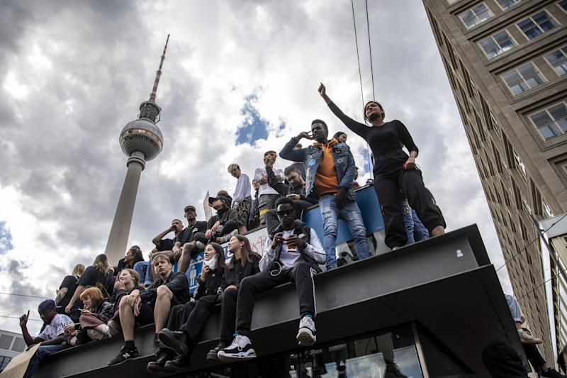 Image: Black Lives Matter protest Germany (Maja Hitij / Getty Images)