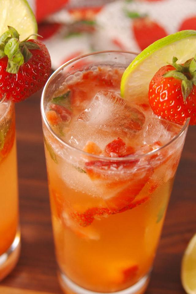 """<p>The <em>it </em>drink of summer.<span></span></p><p><span>Get the recipe from <a rel=""""nofollow"""" href=""""http://www.delish.com/cooking/recipe-ideas/recipes/a52864/strawberry-frose/"""">Delish</a>. </span></p>"""