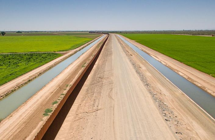 Lower Colorado River canal fields. (Photo: Justin Clifton)