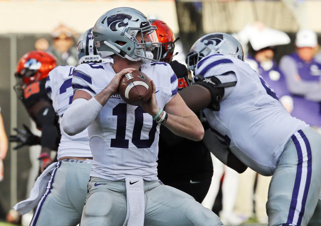 "Kansas State quarterback <a class=""link rapid-noclick-resp"" href=""/ncaaf/players/264520/"" data-ylk=""slk:Skylar Thompson"">Skylar Thompson</a> threw the winning TD pass against Iowa State. (AP Photo/Sue Ogrocki)"