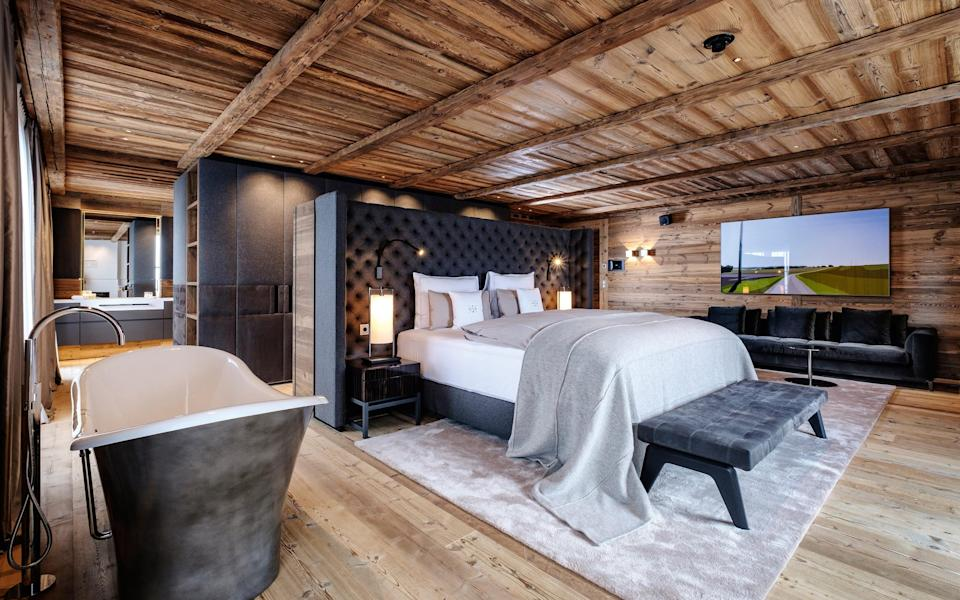 A bedroom at The Residence at Severins in Lech - Ydo Sol