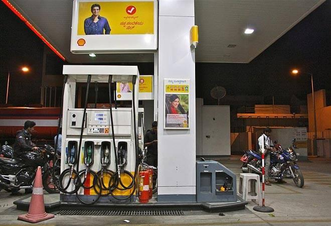 While bringing petroleum products under the GST regime is being touted as a possible way to control the rising petrol and diesel prices, Bihar Finance Minister Sushil Modi has said that this move will not make much of a difference.<br />