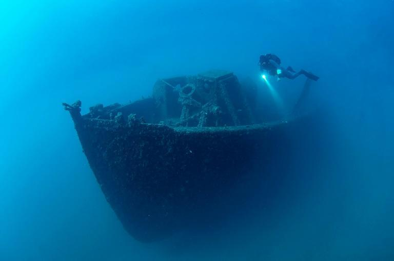 A diver surveys the wreckage of a warship sunk in the World War I Gallipoli Campaign off the coast of Canakkale (AFP/-)