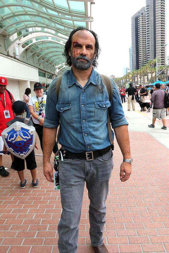 <p>Cosplayer dressed as Rick Grimes of <em>The Walking Dead</em> at Comic-Con International on July 20, 2018, in San Diego. (Photo: Angela Kim/Yahoo Entertainment) </p>