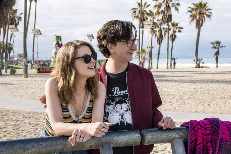 Paul Rust and Gillian Jacobs in <em>Love</em>. (Photo: Netflix)