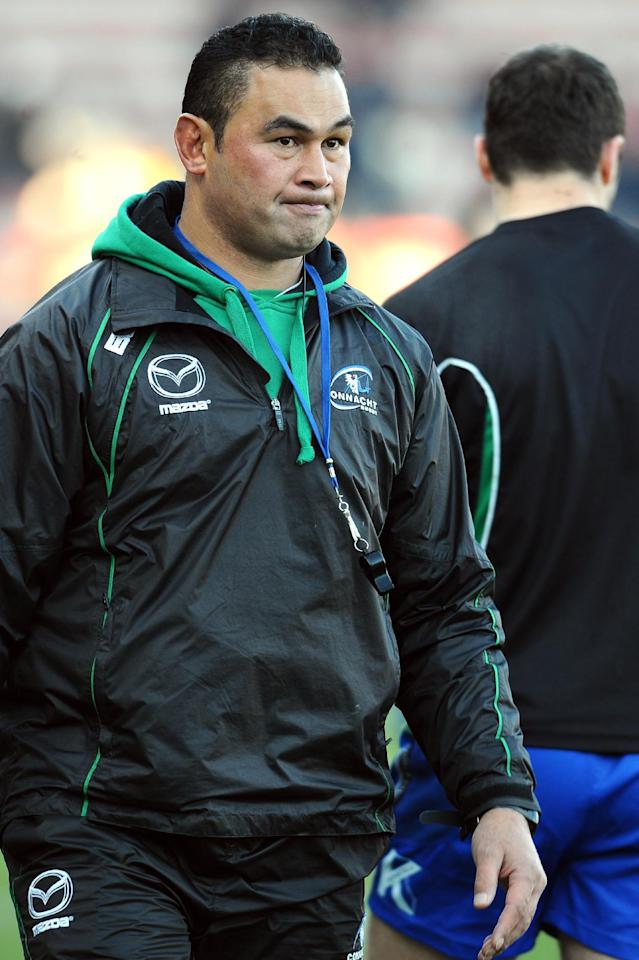 Connacht's head coach Pat Lam attends a training before the start of the European Cup rugby union match between Toulouse and Connacht on December 8, 2013 in the Ernest Wallon stadium in Toulouse, southwestern France. AFP PHOTO / REMY GABALDAConnacht's head coach Pat Lam attends a training before the start of the European Cup rugby union match between Toulouse and Connacht on December 8, 2013 in the Ernest Wallon stadium in Toulouse, southwestern France. AFP PHOTO / REMY GABALDA (AFP Photo/REMY GABALDA)