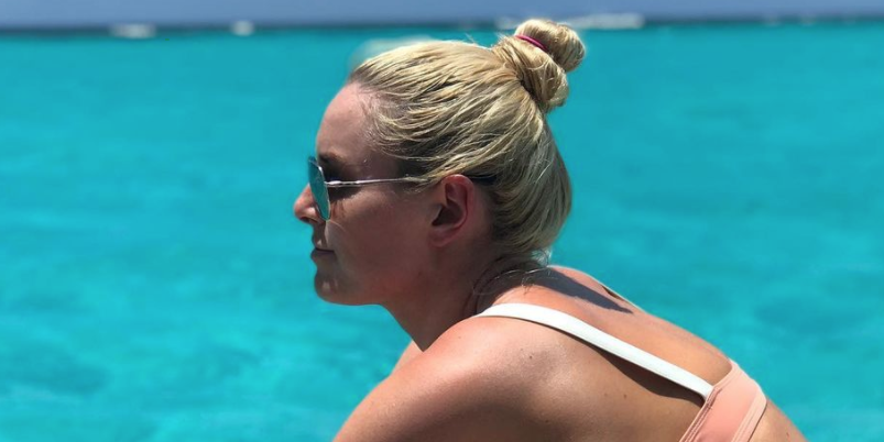 Lindsey Vonn Shared A Bunch Of Unfiltered Bikini Pics With A Body-Positive Message